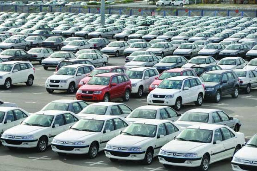 در تیتر امشب مطرح شد؛ باید و نبایدهای بازار خودرو، خودروسازان حق تکلیف مشتریان ثبت نامی به انصراف خرید ندارند