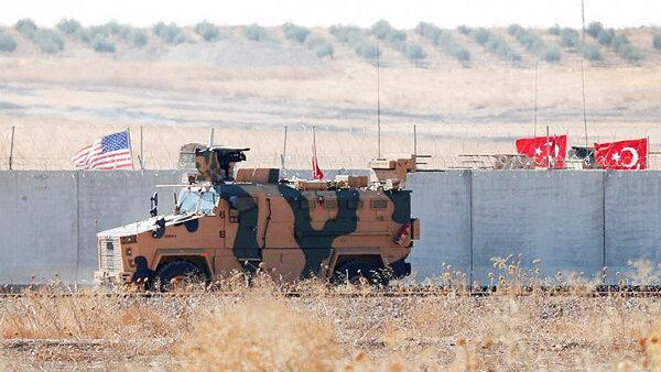 نظامیان ترکیه برای گشت زنی در کنار آمریکایی ها وارد سوریه شدند