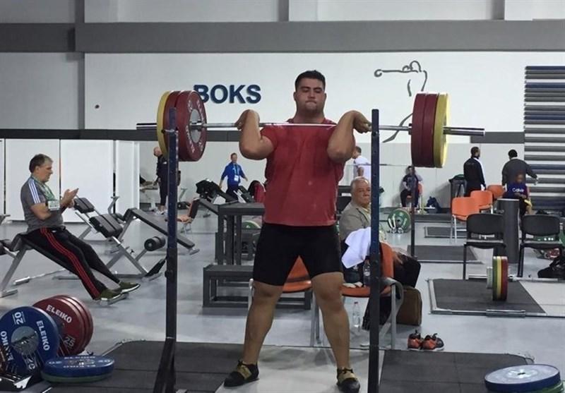 وزنه برداری قهرمانی جهان، دادرس اوت شد، داوودی دهم، تالاخادزه بازهم رکورد زد