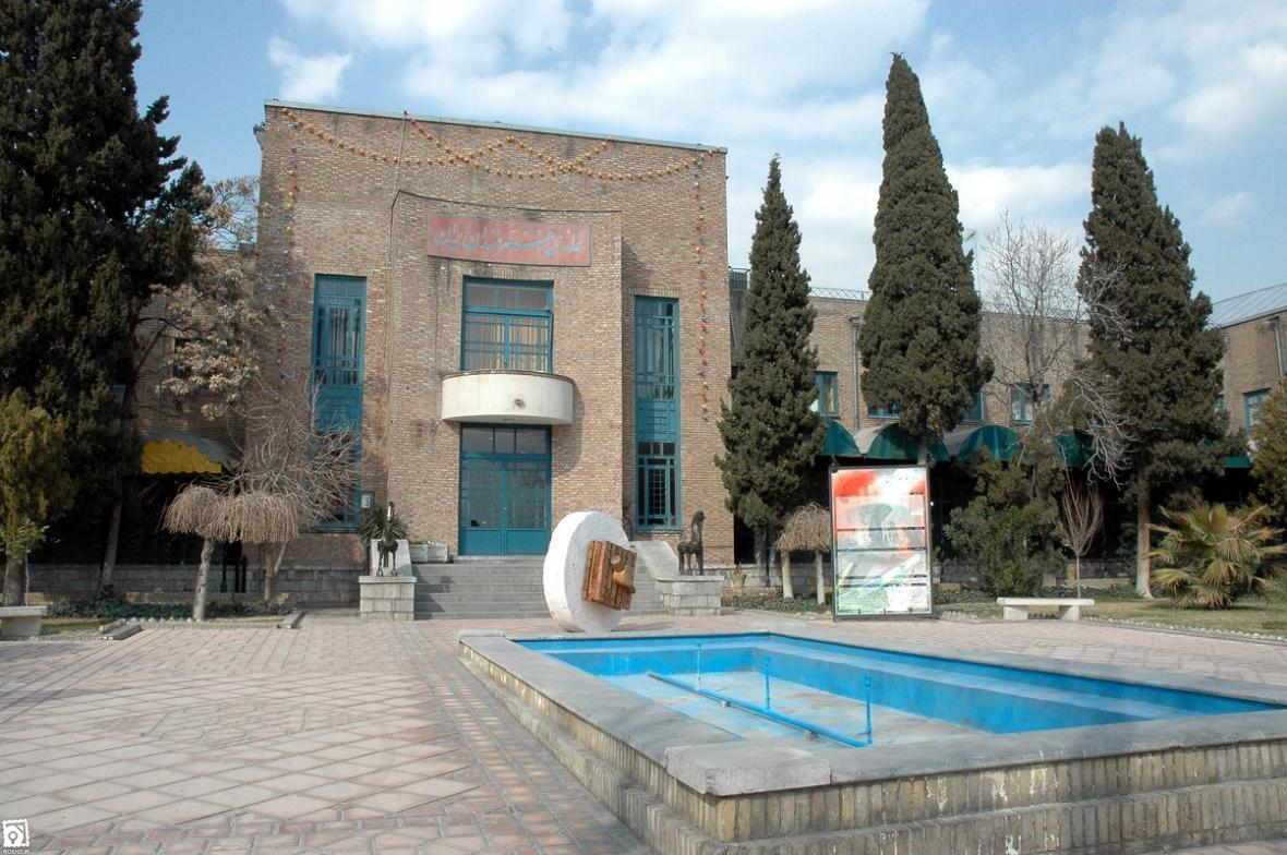 مجموعه گالری های خانه هنرمندان ایران به مدت 15 روز تعطیل شد