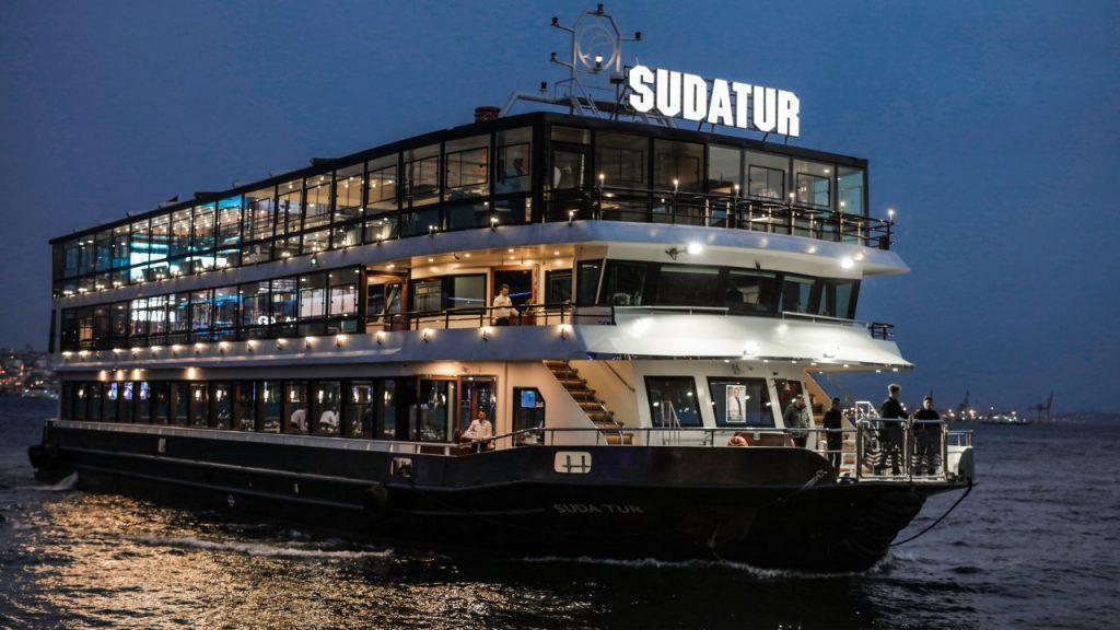 کشتی سودا تور استانبول ، تجربه ای بی نظیر بر روی تنگه بسفر