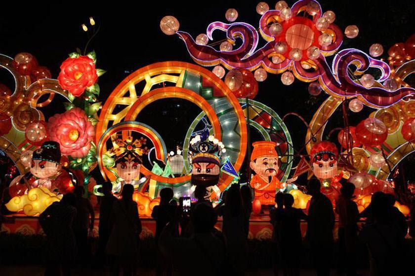 97.9 میلیون گردشگر داخلی در جشن نیمه پاییز چینی شرکت کردند