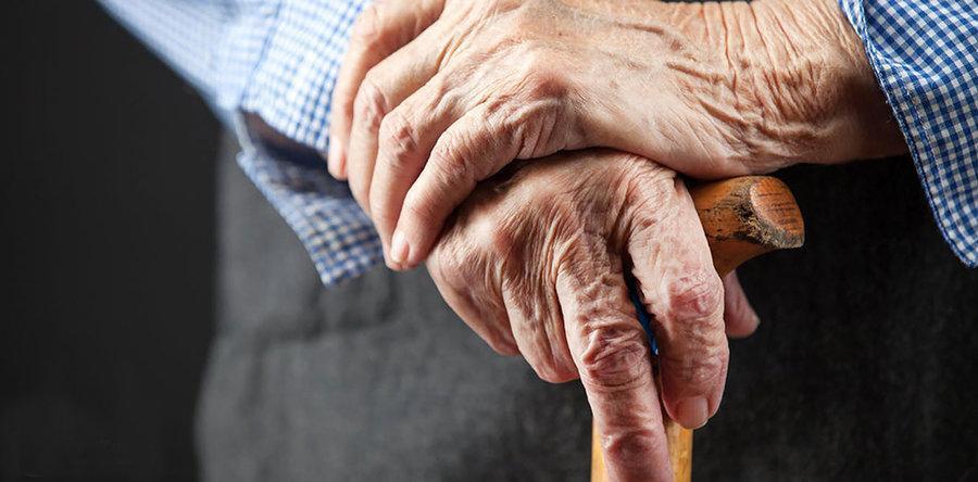 بیمه سلامت چقدر از هزینه های درمان سالمندان را می پردازد؟