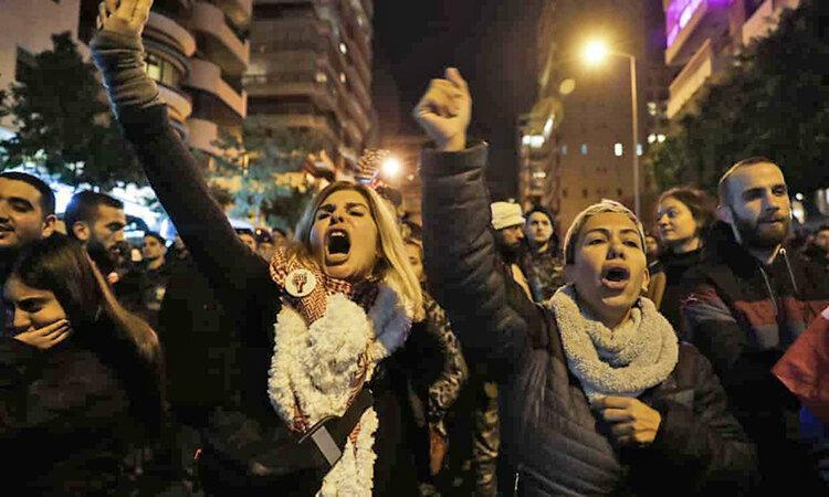 ادامه بحران در لبنان ، تلاش معترضان برای کنار گذاشتن نخست وزیر تازه