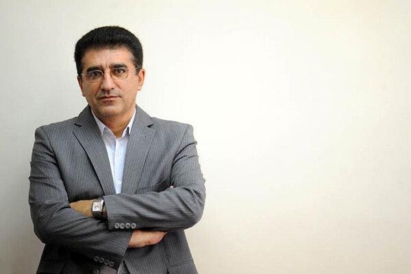 قادر آشنا مجددا به مدیریت تئاتر بازگشت