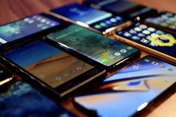 واکنش بازار به ممنوعیت واردات گوشی های لوکس