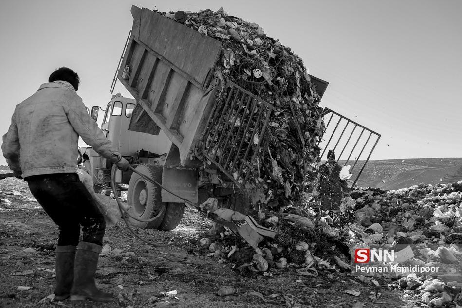 ایرانی ها هر 3 روز اندازه وزن برج میلاد پسماند تولید می کنند!