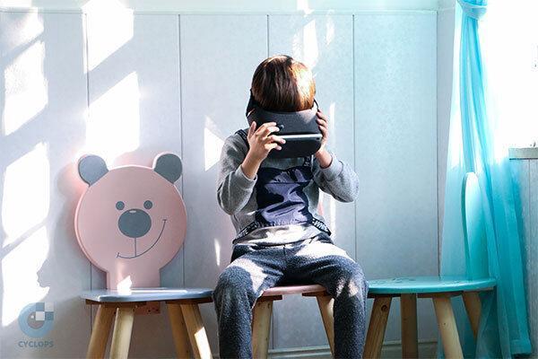 طراحی عینک واقعیت مجازی برای برطرف تنبلی چشم بچه ها