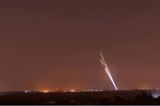 خبرنگاران حمله موشکی به سفارت آمریکا در بغداد