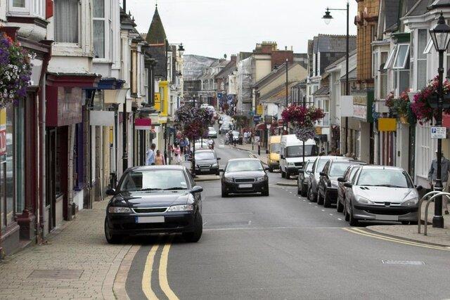 برنامه دولت انگلیس برای ممنوعیت پارک وسایل نقلیه در پیاده رو