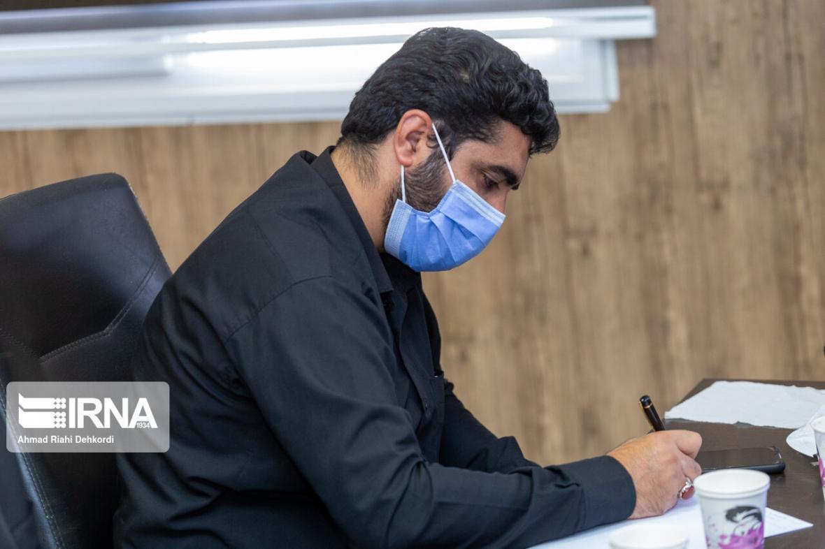 خبرنگاران نماینده مجلس:طرح 70 ماده ای جمعیت و خانواده آماده شده است