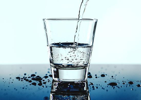 چه زمانی نوشیدن آب مرگبار می گردد