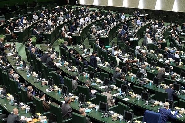تذکر 50 نماینده به روحانی برای اجرای مصوبه مجلس، سوءمدیریت ها باعث افزایش قیمت ها است