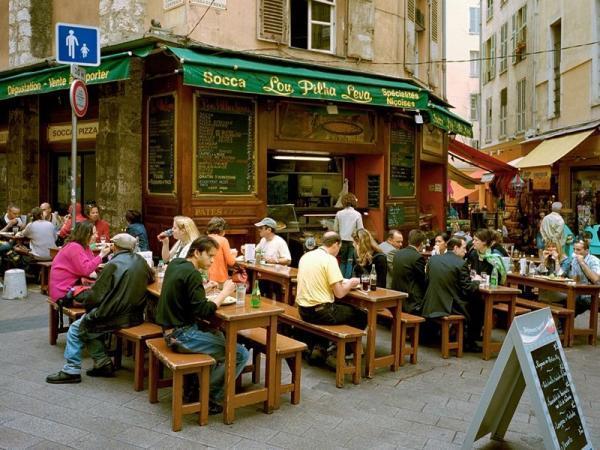 سوکا غذای خیابانی لذیذی که باید در خیابان های فرانسه امتحان کنید!
