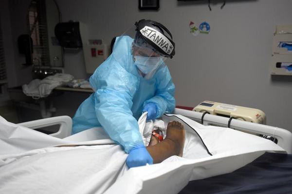 حمل عجیب یک بیمار مشکوک به کرونا ، اعمال قانون با اسب (تصاویر)