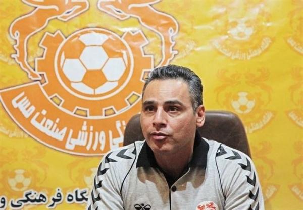 صادقی: با وجود پیروزی از عملکرد بازیکنانم راضی نیستم