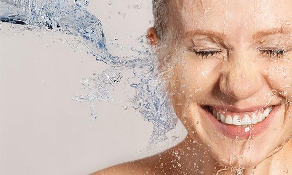 ده روش عالی برای آبرسانی پوست صورت در خانه