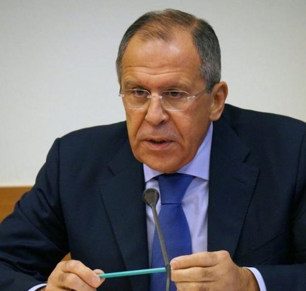 خبرنگاران لاوروف: روسیه در برابر آمریکا در عبور از خط قرمز محکم خواهد ایستاد